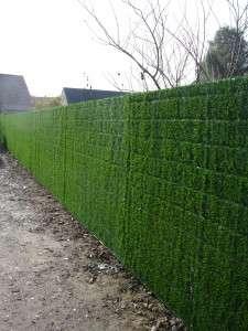 Gesloten poorten afsluitingen de blay for Moderne afsluiting tuin